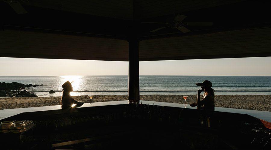 Dining, Beach Bar